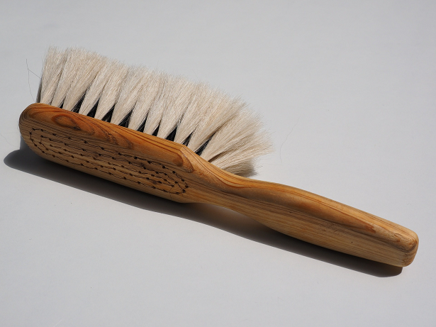 Die 12 größten Haar Mythen Bürste